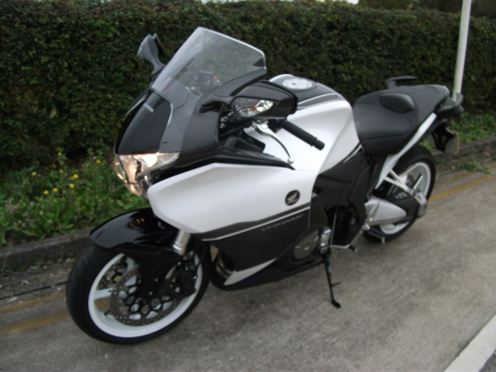 Used HONDA VFR 1200 F-F available for sale, WHITE, 2700 ...